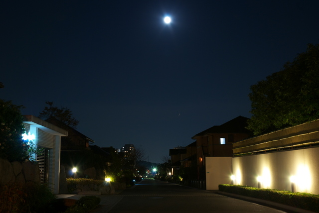 住宅地の夜景(八幡東区高見)